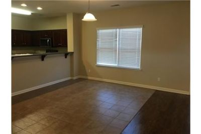 House for rent in Savannah. Washer/Dryer Hookups!