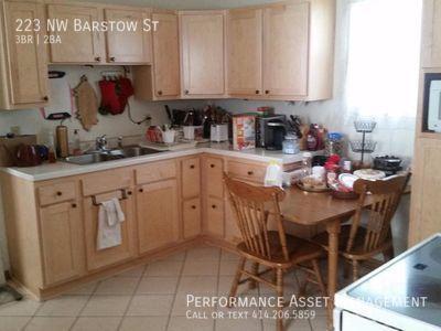 Stunning 3BR/2BA Single Family Home in Waukesha