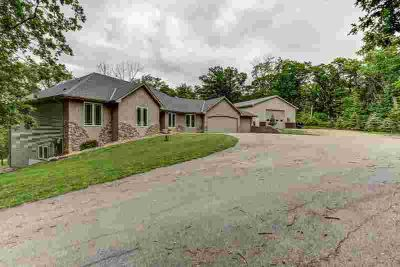 22050 Panama Avenue PRIOR LAKE, Sprawling Five BR / Four BA