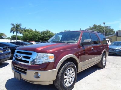 2011 Ford Expedition XLT (Maroon)