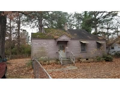 3 Bed 2 Bath Foreclosure Property in Pine Bluff, AR 71603 - W 26th Ave