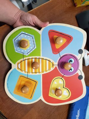 Chunky knob puzzle - butterfly shapes GUC