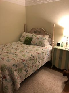Bed / Full Size / Pink / Girly