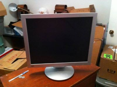 Like New 17 Flat Screen Monitor PRICE REDUCED