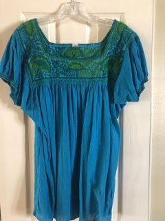 Mexican embroidered top, boutique purchased. Women s L. Excellent condition. PPU.