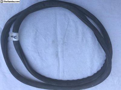 Window rubber for rear hatch