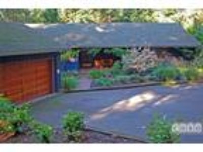Two BR One BA In Clackamas OR 97222