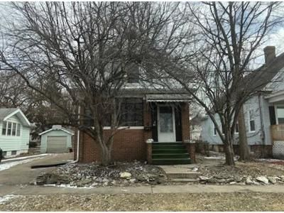 2 Bed 1 Bath Foreclosure Property in Peoria, IL 61603 - N Maryland St