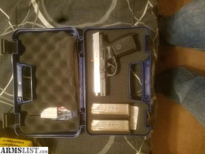 For Sale: Smith and Wesson sw40ve