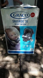 Infant car seat brand new in box