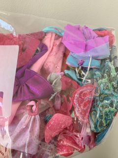 Barbie clothes and accessories-lot