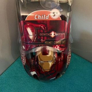 (( Discontinued Item In Stores. )) Marvel Iron Man Helmet Combo Set.