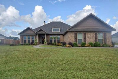 4 Bedroom Home in Valamour Subdivision, Loxleyx