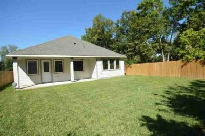 4636 Maggie Street Houston Four BR, This brand new modern home