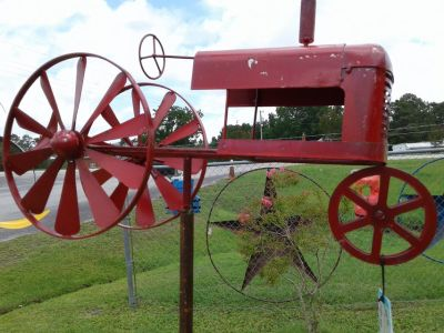Red Metal Tractor Whirlie-Gig #1028-318