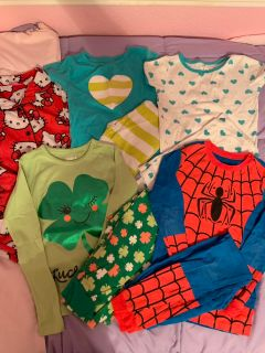 Lot of 5 PJ s sz 7 Carters Crazy 8 Hello Kitty Spiderman