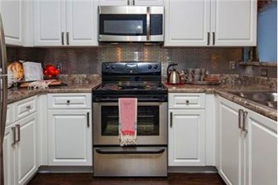 Pet Friendly 1+1 Apartment in Lawrenceville. Washer/Dryer Hookups!