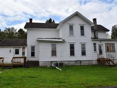 4 Bed 2 Bath Foreclosure Property in Hilton, NY 14468 - Lake Rd