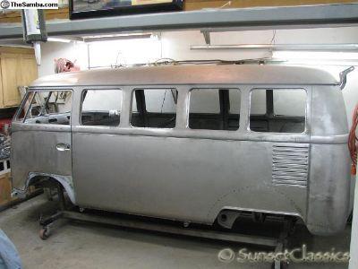 1967 Deluxe VW Bus 13 Window