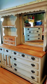 Beautiful refinished 3pc Pine Bedroom Set