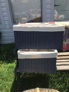2 brand new baby baskets with liner.