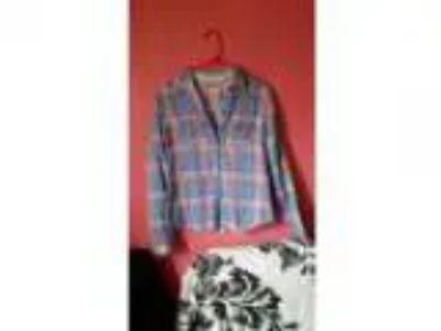 Women s Hollister plaid shirt