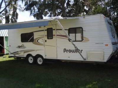 25 FT 2004 PROWLER LITE TRAVEL TRAILER