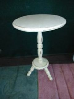 Shabby Chic Pedestal Table