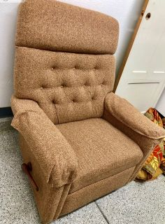 Really Nice Lazy Boy Recliner-French Valley