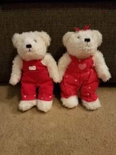 SET OF 2, VALENTINE MAGNET KISSING BEARS WITH BEAN BAGS INSIDE, EXCELLENT CONDITION, SMOKE FREE HOUSE
