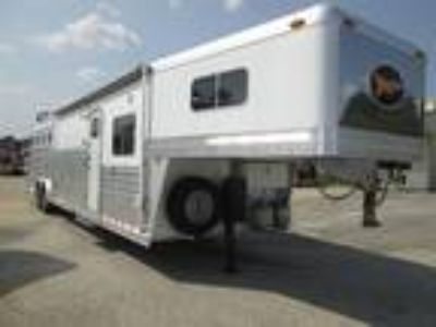 2004 4 Star 4H - OUTLAW CONVERSION - 15' SW - BUNK BEDS 4 horses