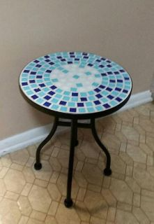 MOSAIC/WROUGHT IRON OCASSIONAL TABLE........NEW CONDITION
