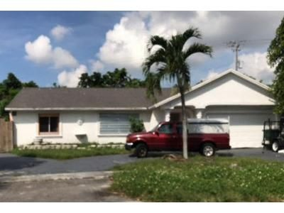 4 Bed 2 Bath Foreclosure Property in Hollywood, FL 33023 - SW 70th Ave