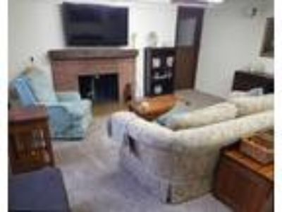 Fully furnished 2 BR daylight duplex Pets OK * Federal Way WA * Short...