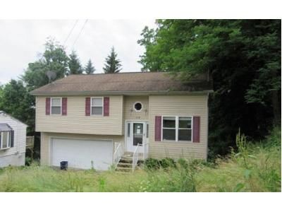 3 Bed 2 Bath Foreclosure Property in Altoona, PA 16602 - 53rd St