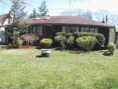 388 Fir Grove Rd Ronkonkoma, Beautiful Three BR Ranch