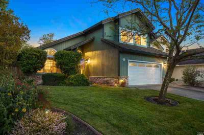 2108 Saint Augustine Circle PETALUMA Three BR, This home shows