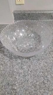 Large plastic salad bowl, 12 inch diameter, 4 inches high