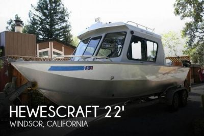 2005 Hewescraft 220 Sea Runner Pilothouse