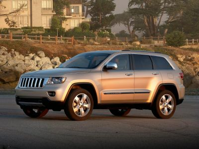 2011 Jeep Grand Cherokee Overland (Bright Silver Metallic Clearcoat)