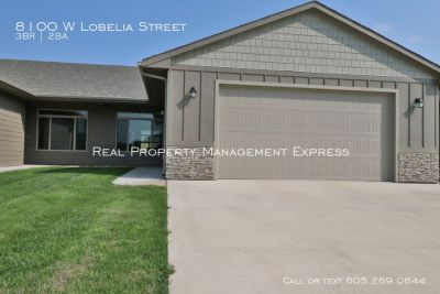 Great 3 Bedroom Home in the PERFECT Location!