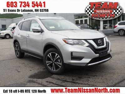 2019 Nissan Rogue SV (Brilliant Silver Metallic)
