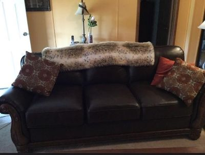 Martching couch & loveseat