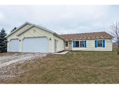 3 Bed 2 Bath Foreclosure Property in Whitelaw, WI 54247 - Pleasant Ln