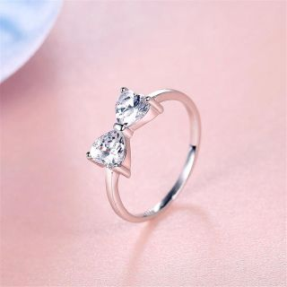 Beautiful sterling silver bow ring