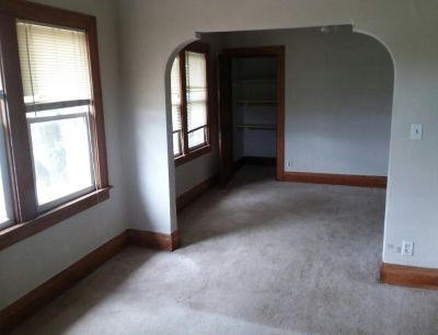 Clean - Wauwatosa /Milwaukee Border Upper of Duplex- WiFi/Cable Ready July 1 $ave $$