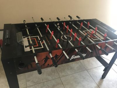 Franklin pool table and foosball table