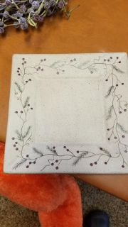Wood cranberry plate