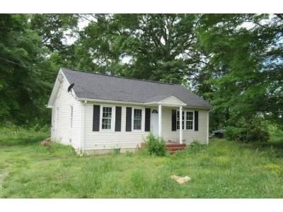 2 Bed 1 Bath Foreclosure Property in Urbanna, VA 23175 - Tidewater Trl