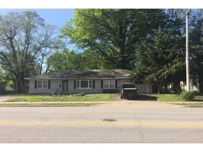 3 Bed 2 Bath Preforeclosure Property in Lenexa, KS 66215 - W 95th St